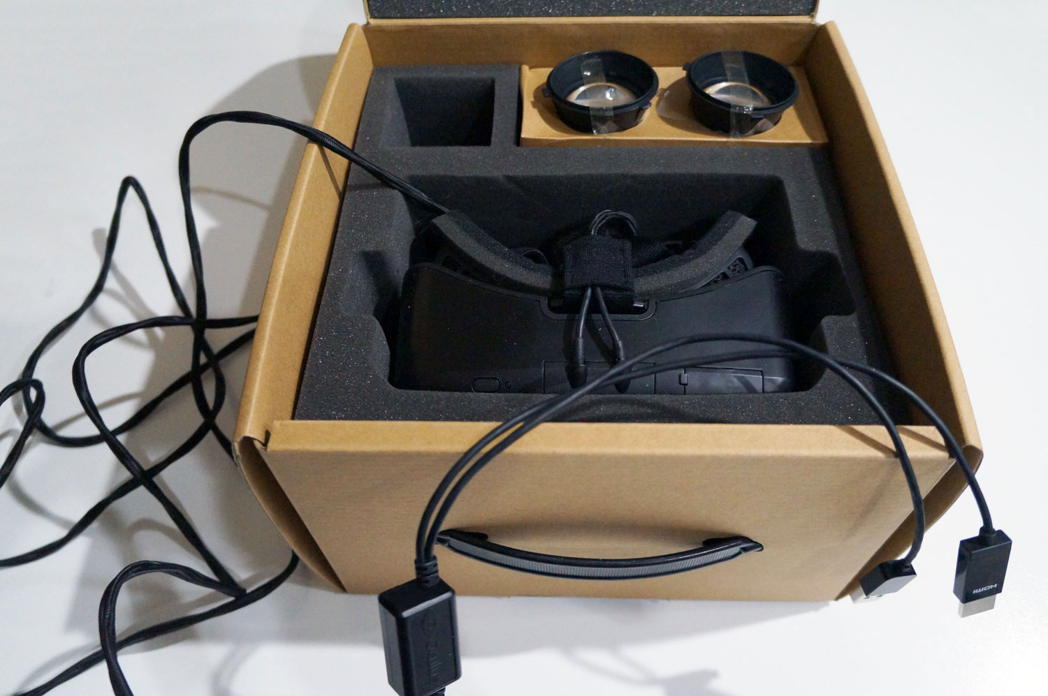 17236608df48 Exclusive  Early Oculus Rift DK2 Unboxing