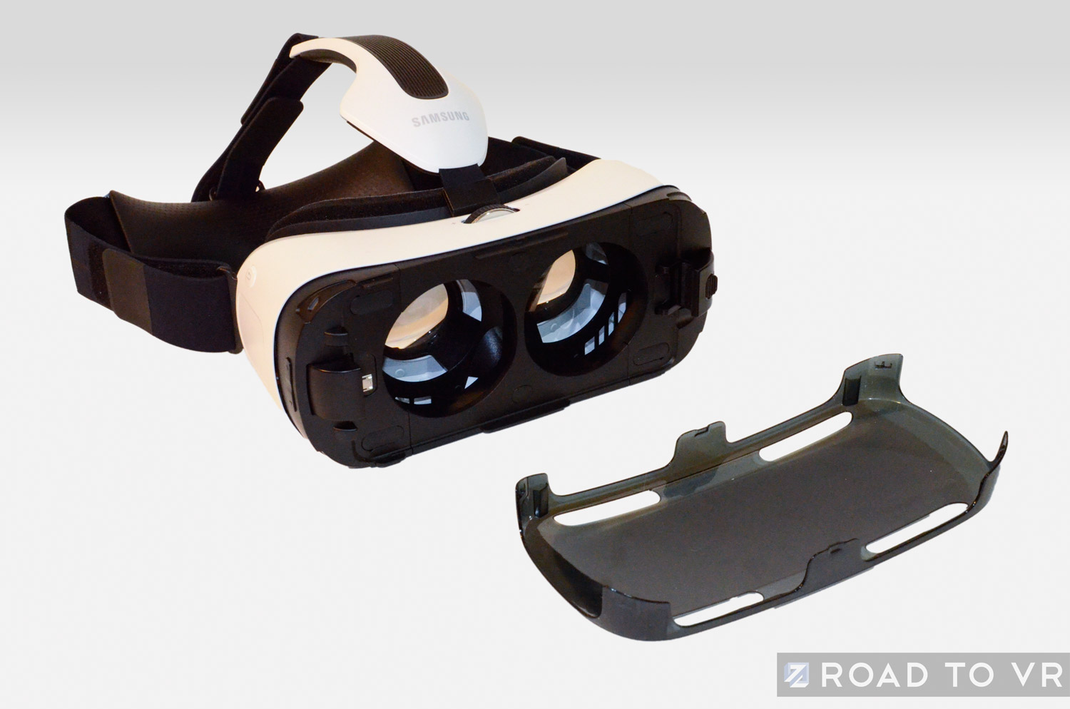 3c60c83dd5e 3 Important Warnings for New Gear VR Users – Road to VR