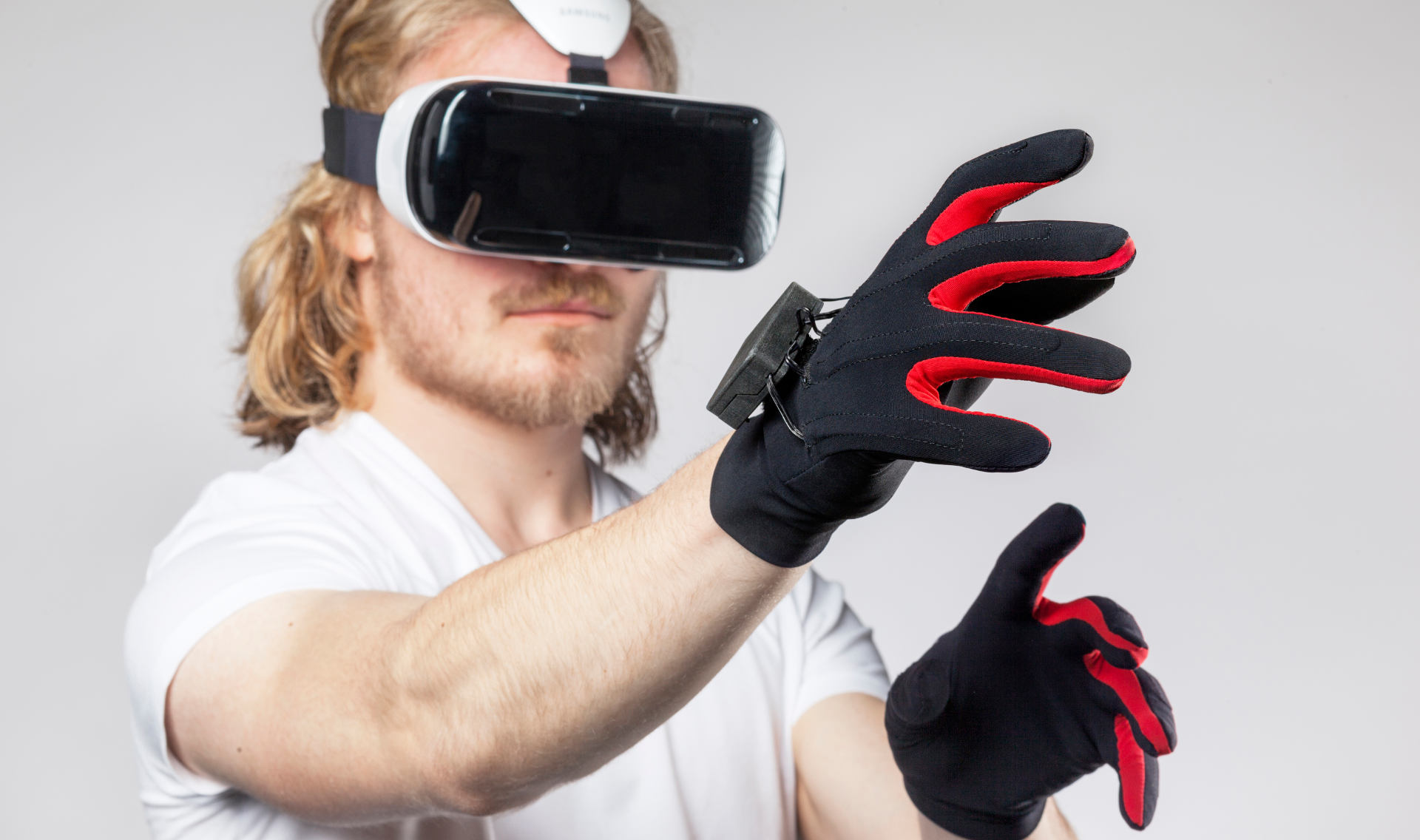 an overview of the virtual reality vr and how it works