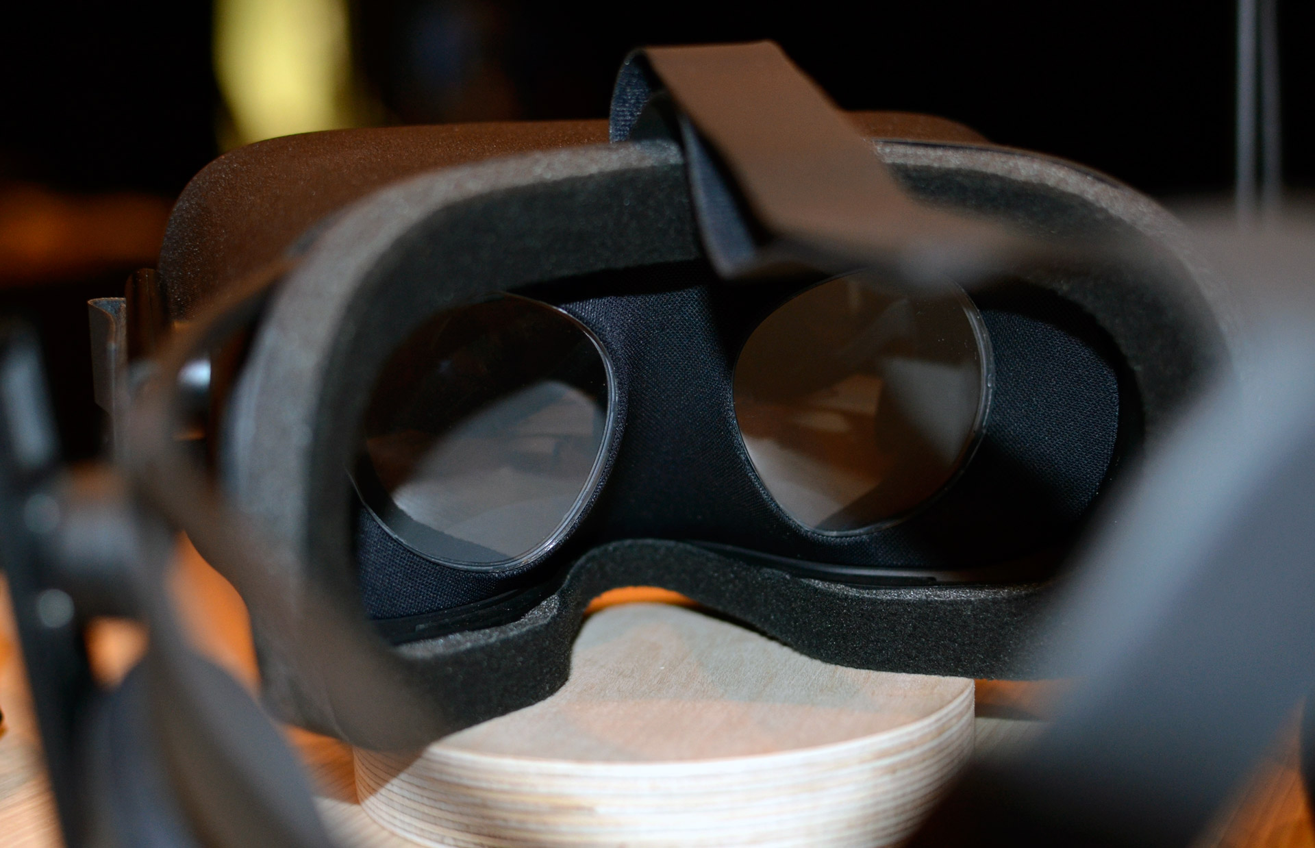 Flott Top 5 Things We Still Don't Know About the Consumer Oculus Rift DT-84