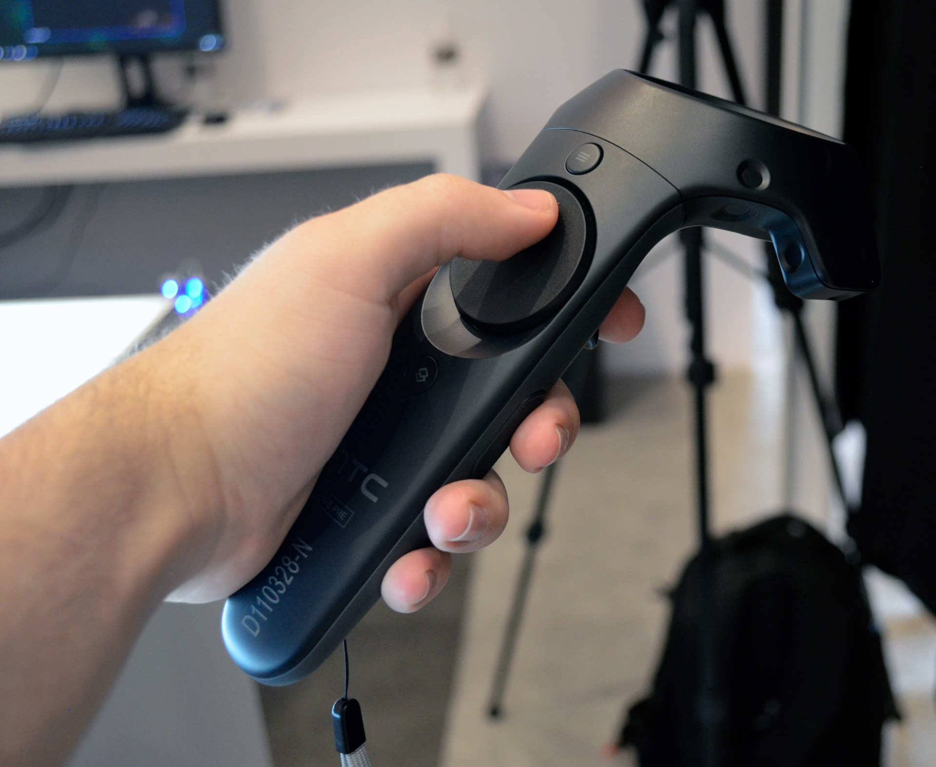 Vive Pro to Launch With Updated Wand Controller, Not Valve's