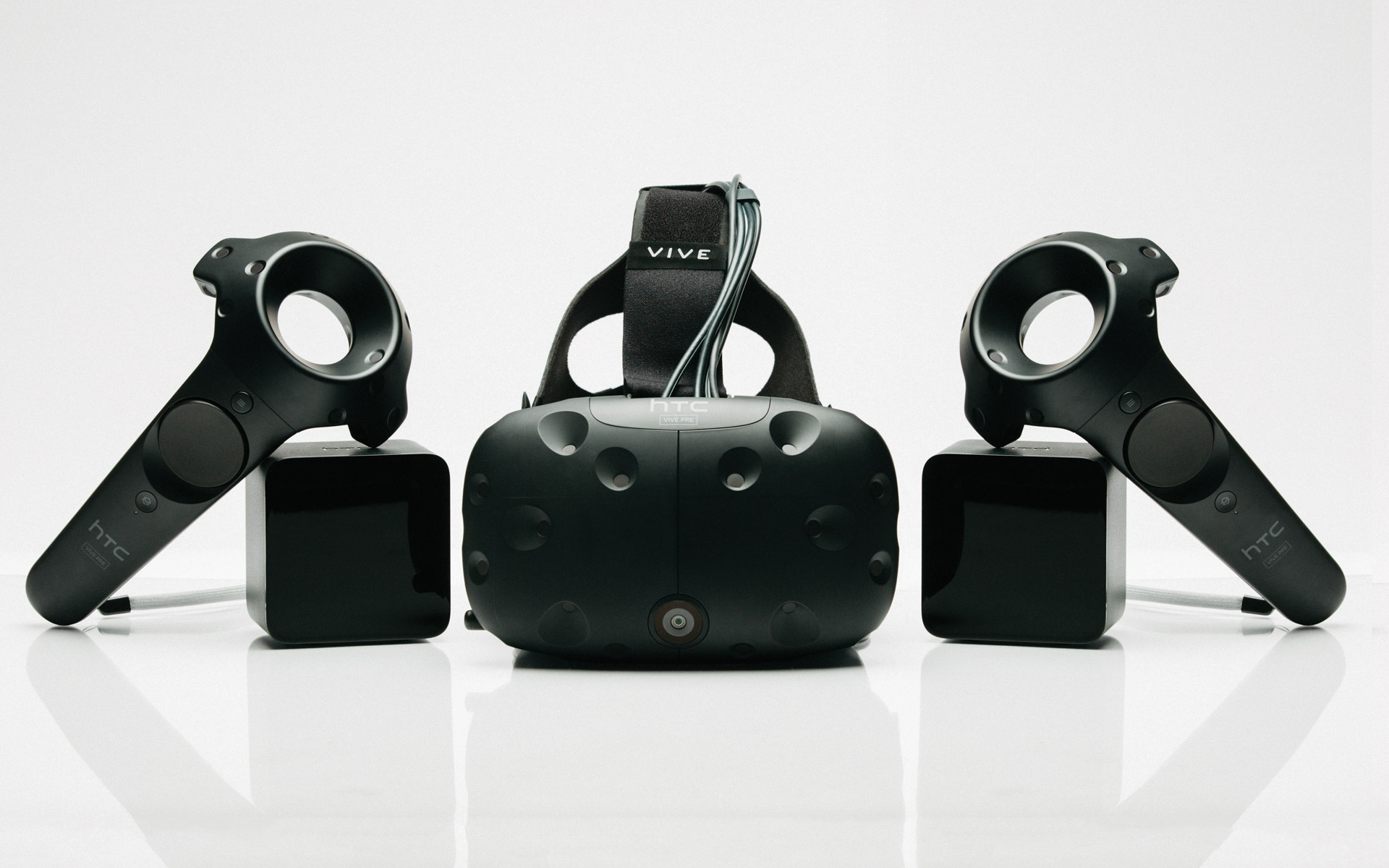 HTC Vive Pre Arrives With Developers, Twitter Rejoices – Road to VR