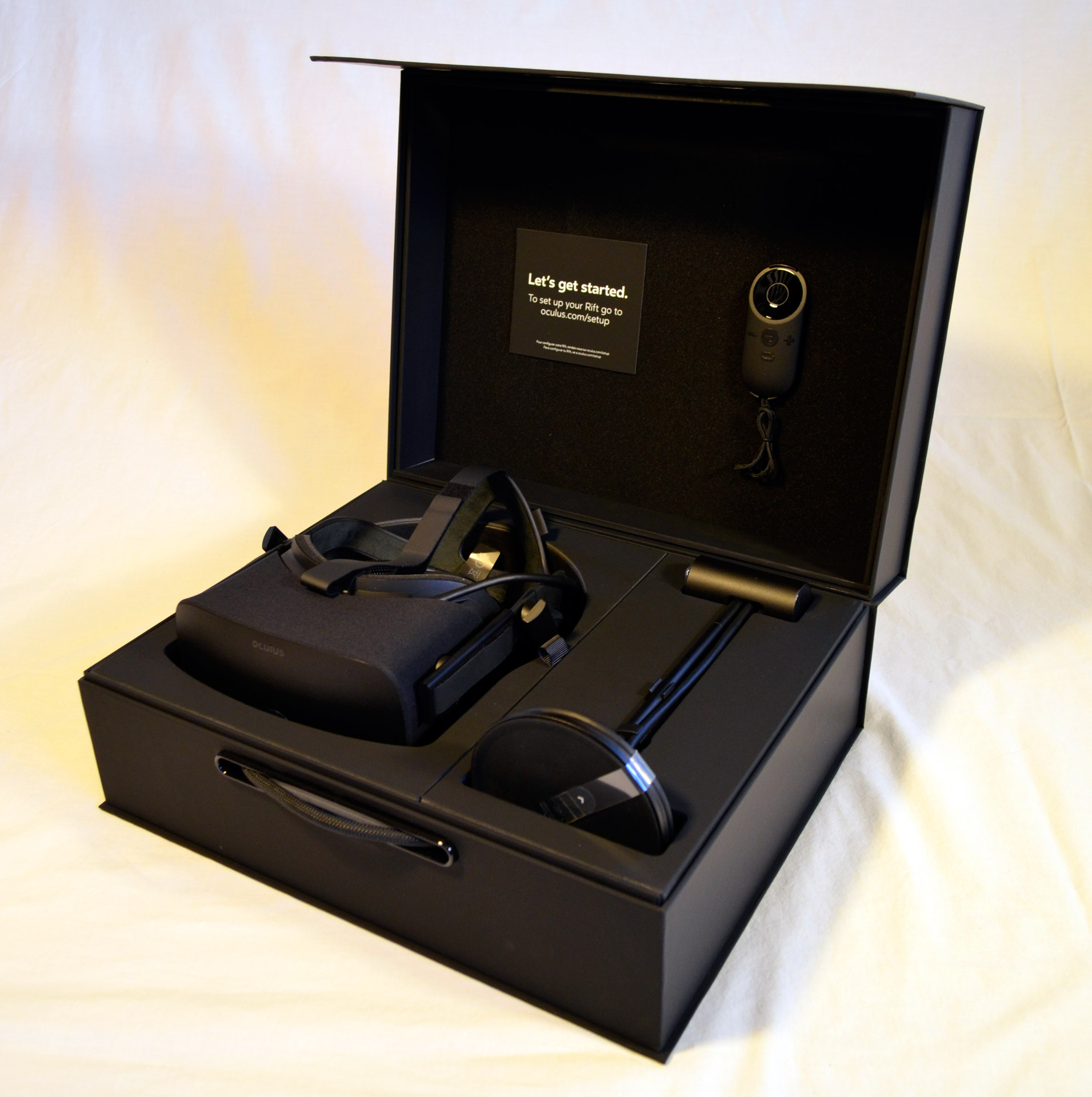 Step Into The Light Vr: Unboxing The New Oculus Rift Step-by-Step In Pictures