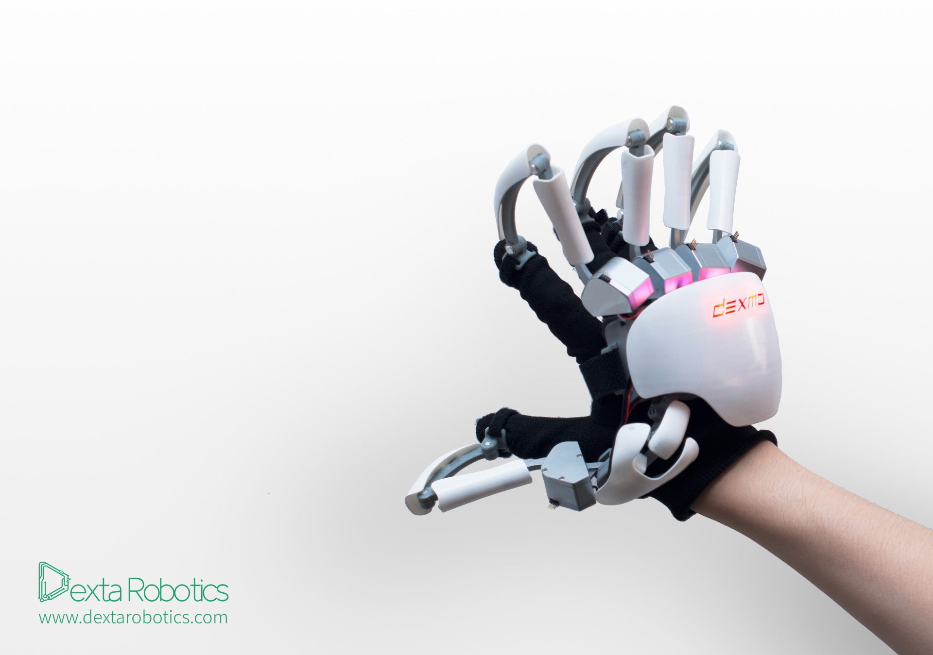 dexmo shows latest vr force feedback vr glove