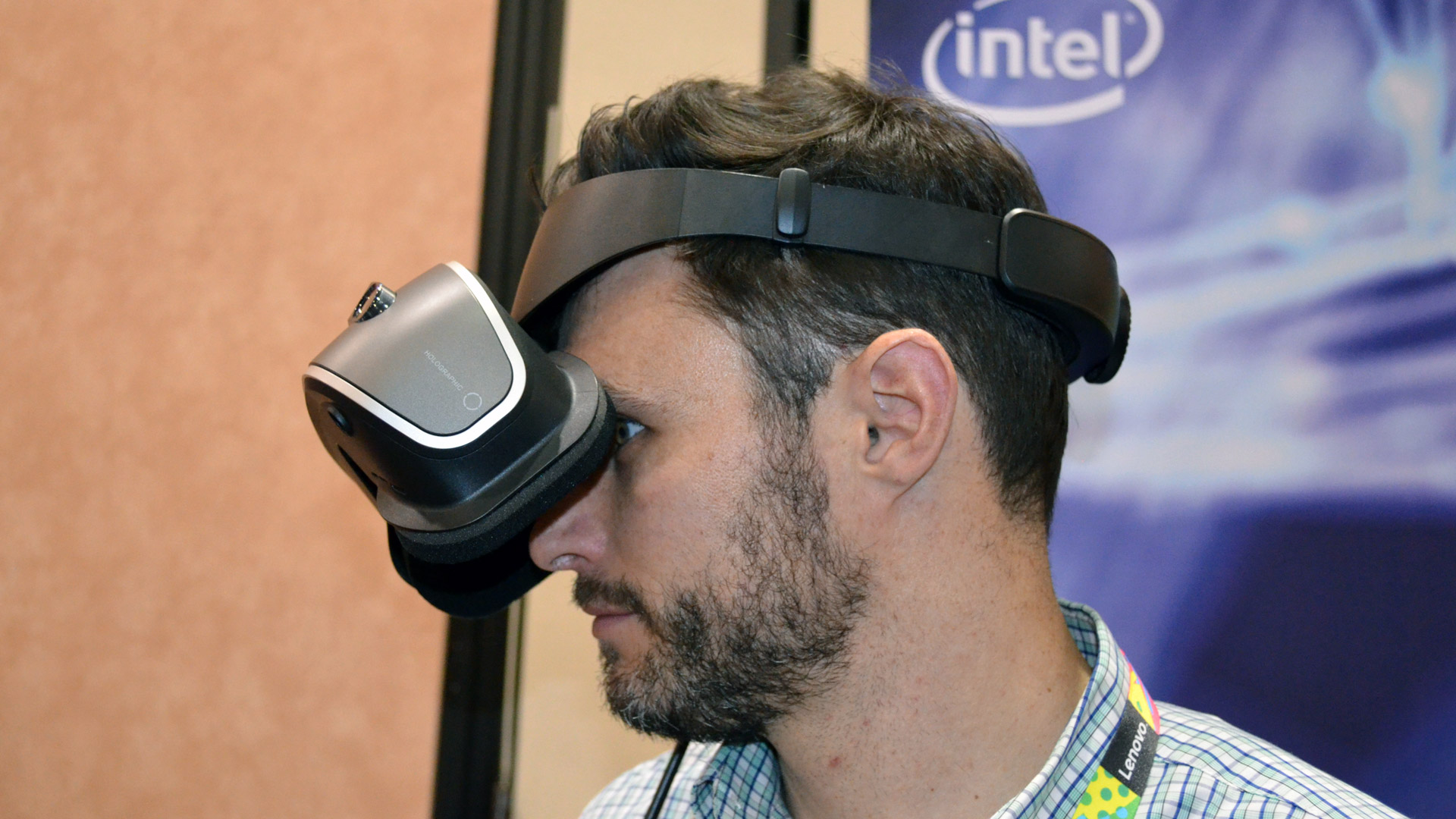 47a961cfc341 Hands-on  Lenovo s VR Headset Has the Flip-up Functionality We Always Wanted