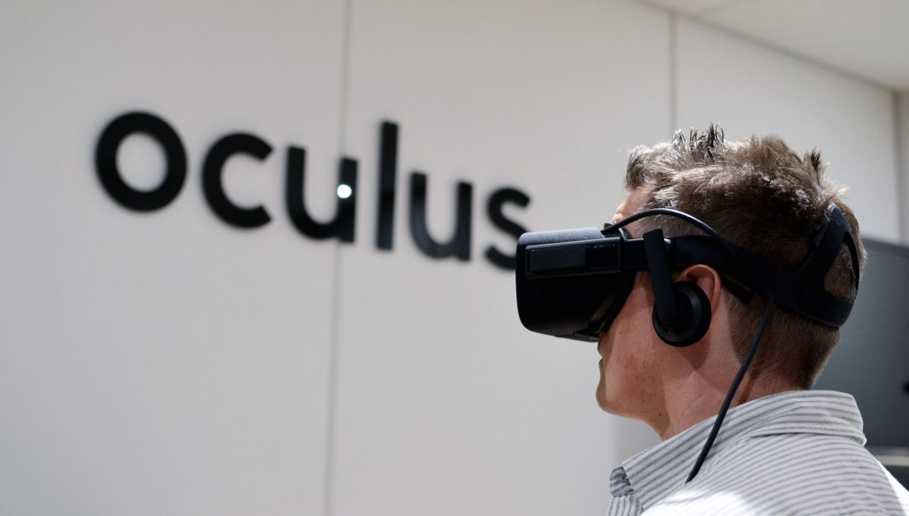 oculus rift logo. oculus: rift won\u0027t be superseded by new version for \u0027at least two years\u0027 oculus logo