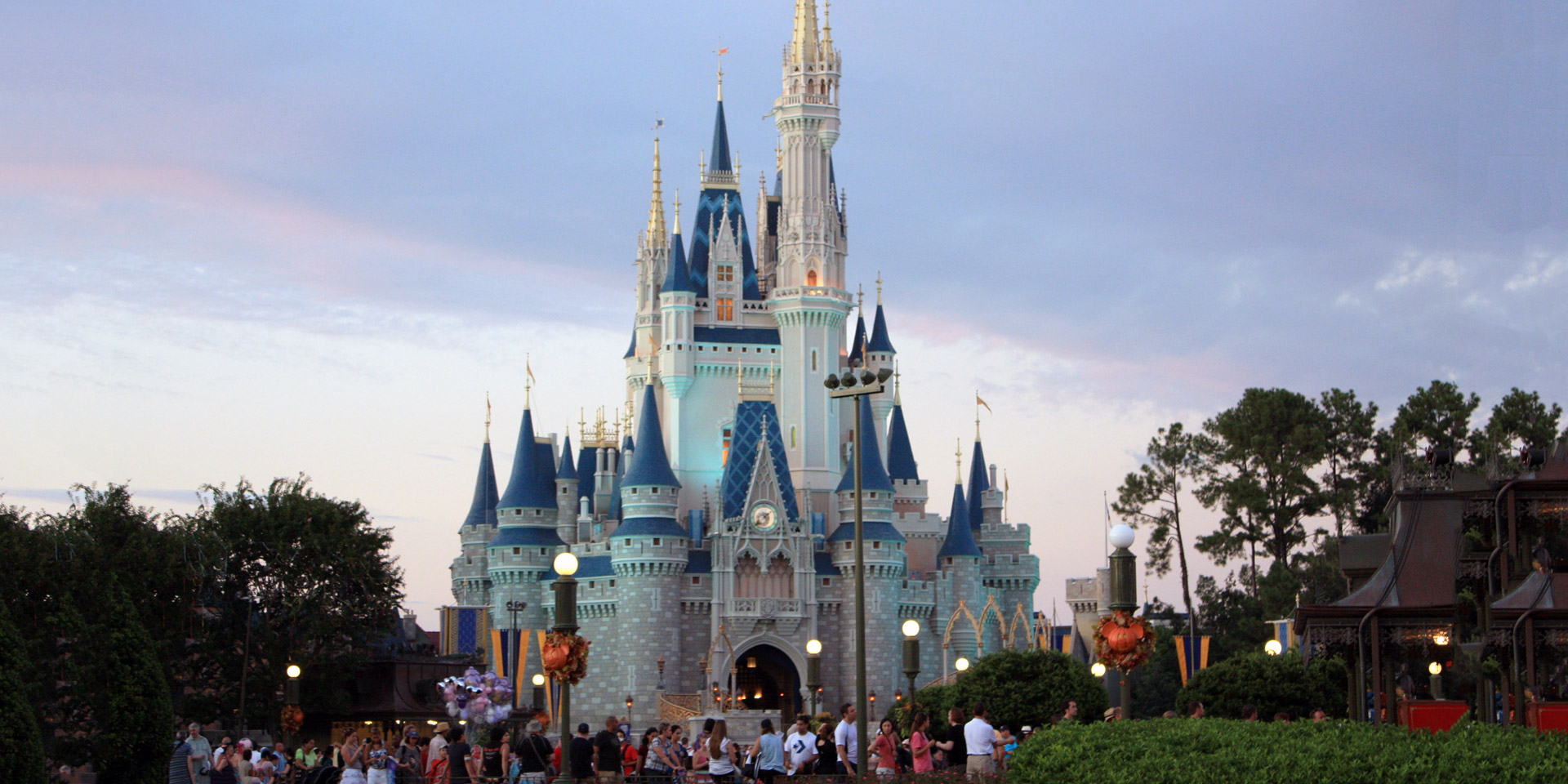 disney world essays Essay about ad analysis: walt disney world resort everyone's dream walt disney is a preeminent company in animation industry throughout the world, commonly known as disney disney has been producing a quality family entertainment since 1920s.