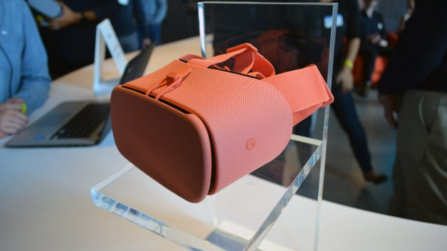 Hands-on: Google's New Daydream View Headset With Pixel 2 & Pixel 2 XL