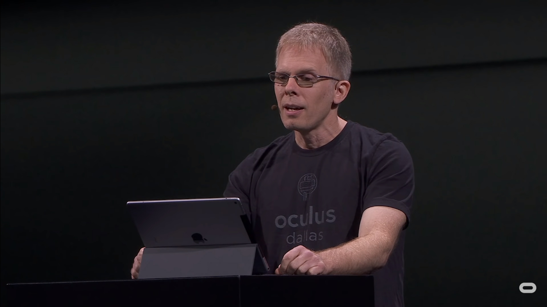 """Oculus CTO Wants Android Apps on Quest, But is """"not winning"""" the Debate Within Facebook"""