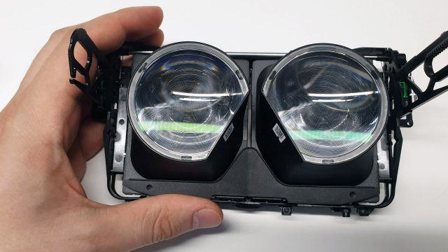 Valve Index Teardown Glimpses Screen Diffuser and Dual-element Optics 1