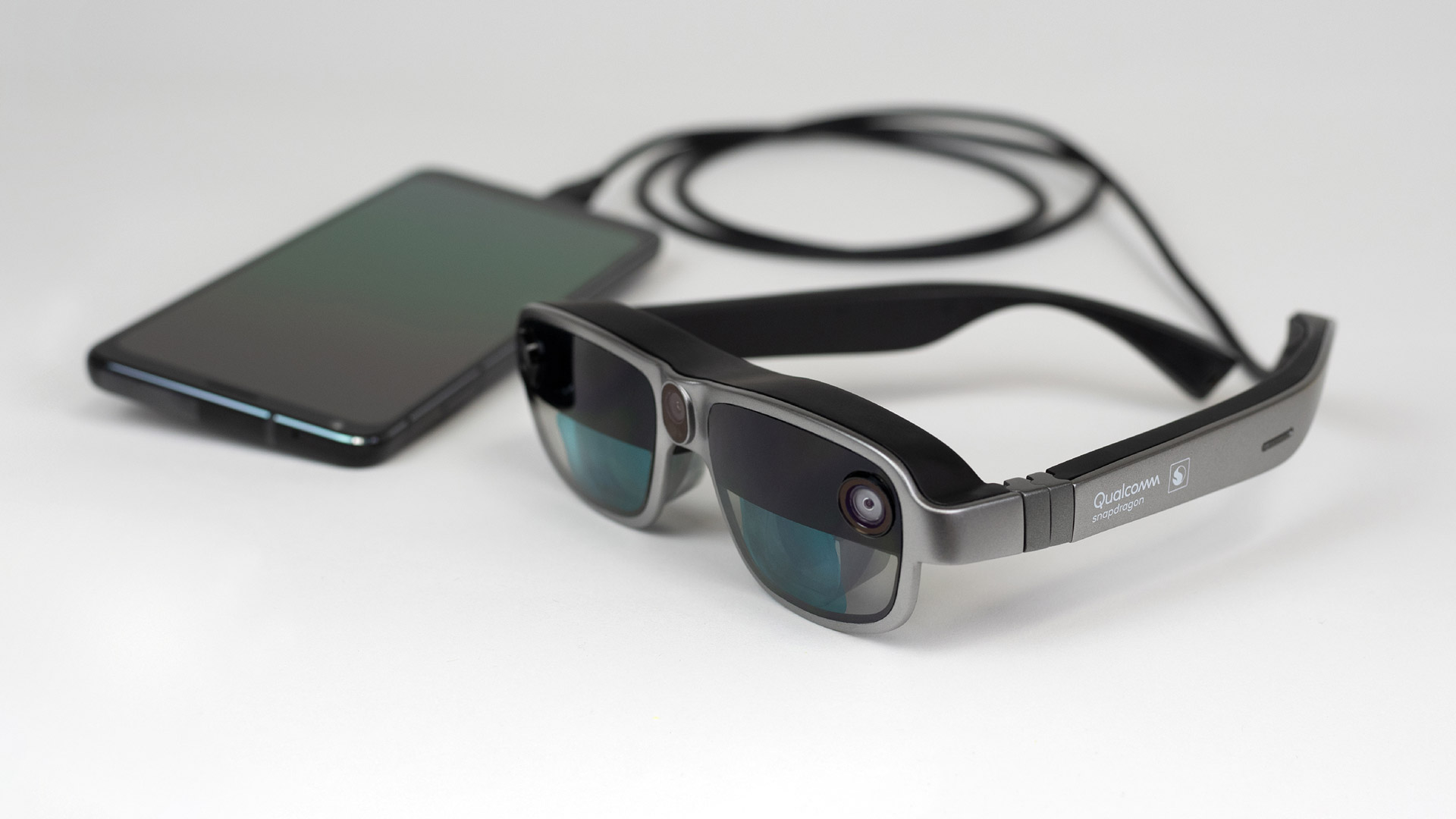 Qualcomm Announces Tethered AR 'Smart Viewer' Reference Design with Onboard Co-processing - Road to VR