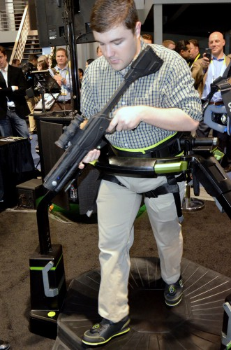 virtuix omni vr treadmill heigh adjustment ces 2015 (1)